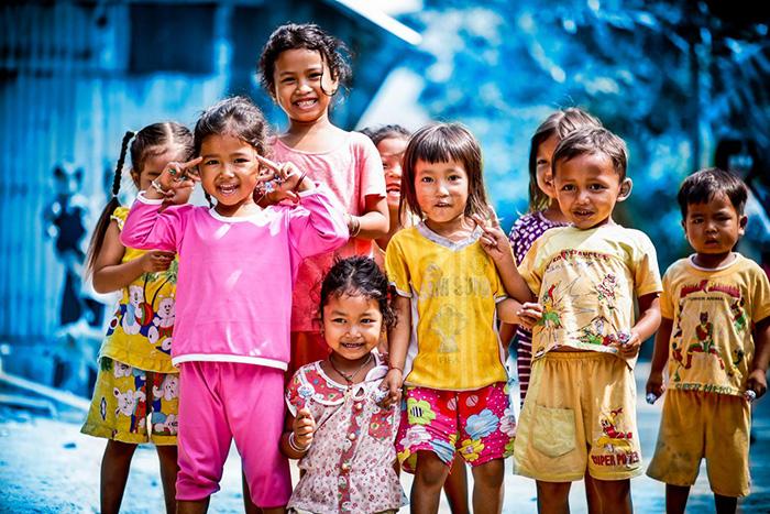 Trẻ em cần được yêu thương, chăm sóc, bảo vệ ngay từ khi sinh ra